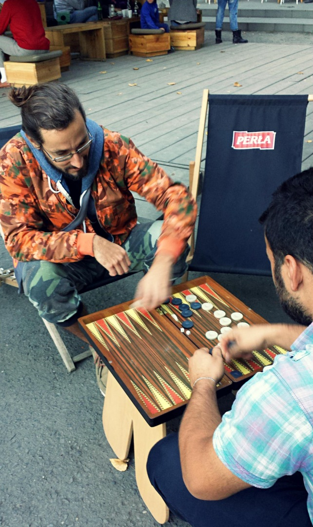 Michał knows how to play tavla (backgammon)