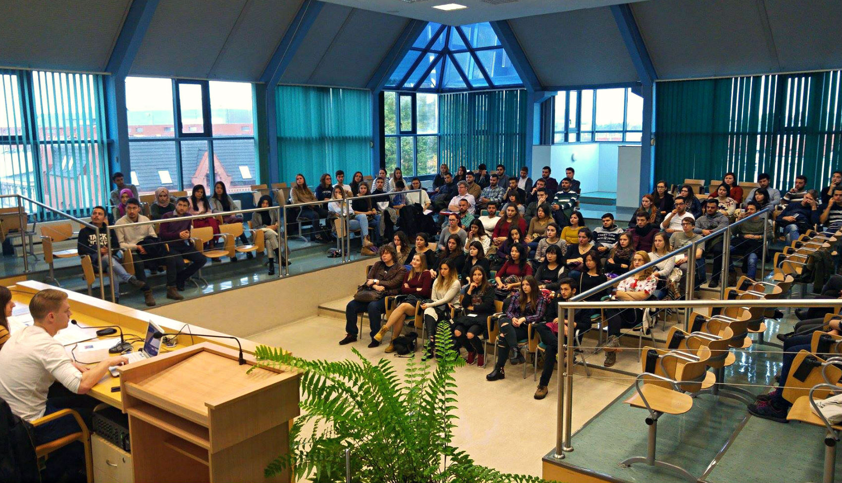 120 students (from, among others, Spain, Italy, Greece, Taiwan, Georgia, Turkey,  Montenegro) arrived at the University of Opole to study in the new academic year under the EU Erasmus Plus Programme. We bid you all a warm welcome!